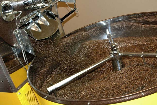 roaster-cafe-campesino-photo-1-at-roastery