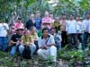 Roaster representatives from Just Coffee visit Yachil farmers to better understand the production challenges they face.
