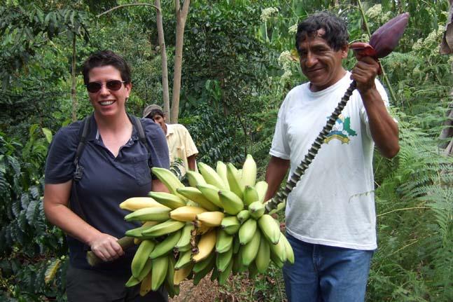 roaster-peace-coffee-photo-5-lee-bananas-at-pangoa